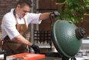 Buiten koken met de green egg