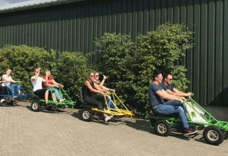 Groepsuitje van Jong tot Oud - Jeu des boules, fietstrein en schieten in Overijssel