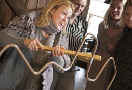 Oudhollandse spellen, Bowlen en saté eten Groepsuitje op de Veluwe