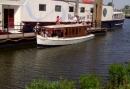 Lekker borrelen op de Borrelboot in Heusden - 2 uur durende rondvaart