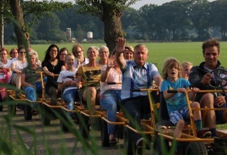 Kedeng Kedeng Oe Oe - Groepsuitje met de Skeltertrein in Gelderland