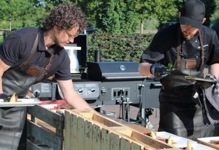 Buitengewone barbecue in plattelandse sferen - Groepsuitje in Gelderland