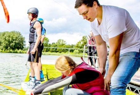 Teambuilding in Stroombroek met sportief programma
