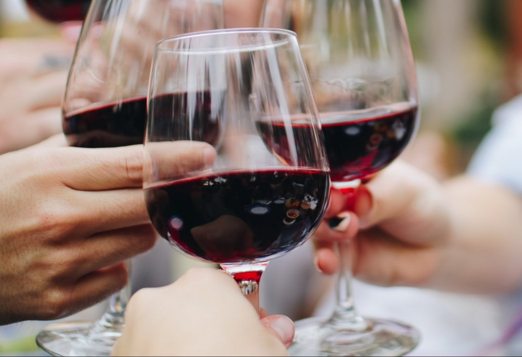High Wine op het terras van de langste kabelwaterskibaan van Nederland