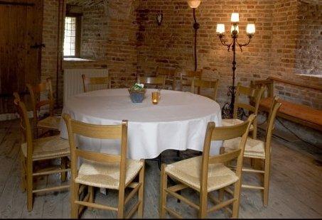 Ronde tafel Vergaderarrangement in S-heerenberg - Bijeenkomst in de Historische Opkamer