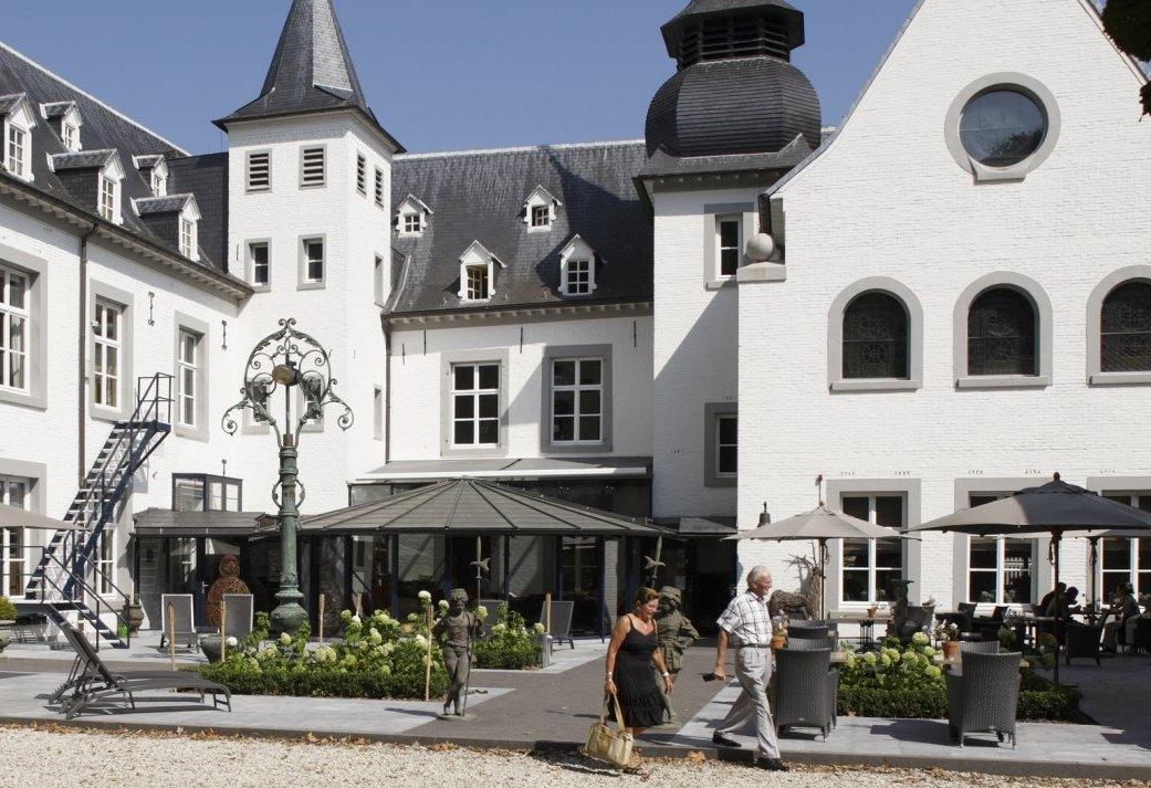 Vier de Jaarwisseling op een kasteel in Limburg - 3 daags Oud & Nieuw arrangement met feestavond, vuurwerk en champagne