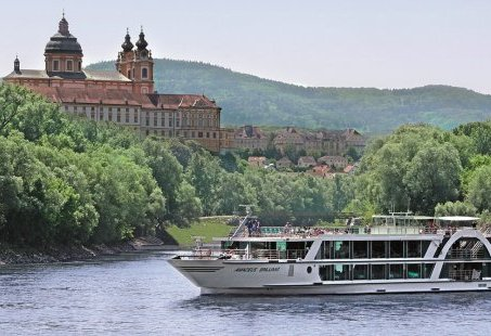 Majestueuze 9-daagse cruise vanuit Veenendaal of Babberich over de Donau naar Wenen en Boedapest