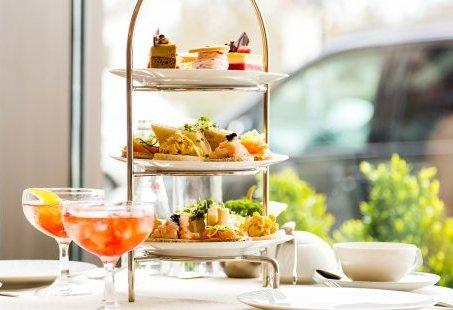 High Tea arrangement – Lekker een middagje bijkletsen onder het genot van een kopje thee