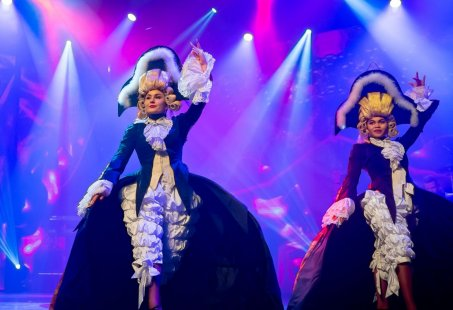 Spectaculaire Dinnershow in Aalsmeer - Beleef een wervelende avond vol top-entertainment