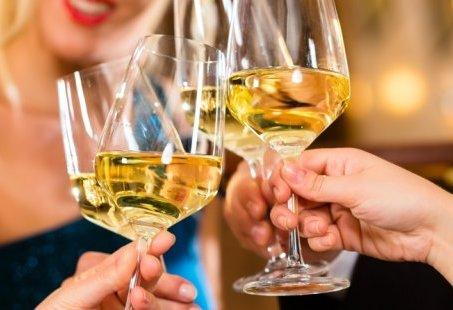 Vriendinnenuitje met Wijnproeverij, Golf en steengrillen in het Montferland
