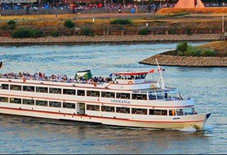 Vaartocht van Rees naar Emmerich - Heerlijk genieten op het water