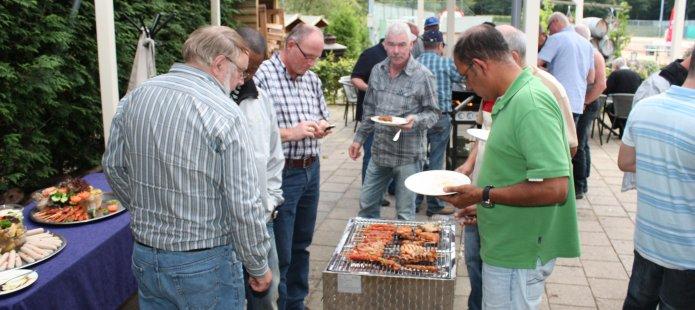 Gezellig barbecuen buiten