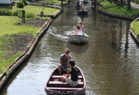3-daags Mannenweekend in Giethoorn - Sloepvaren, Barbecue en The bomb
