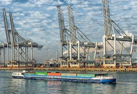 Ontdek de Rotterdamse haven tijdens een 2 uur durende rondvaart