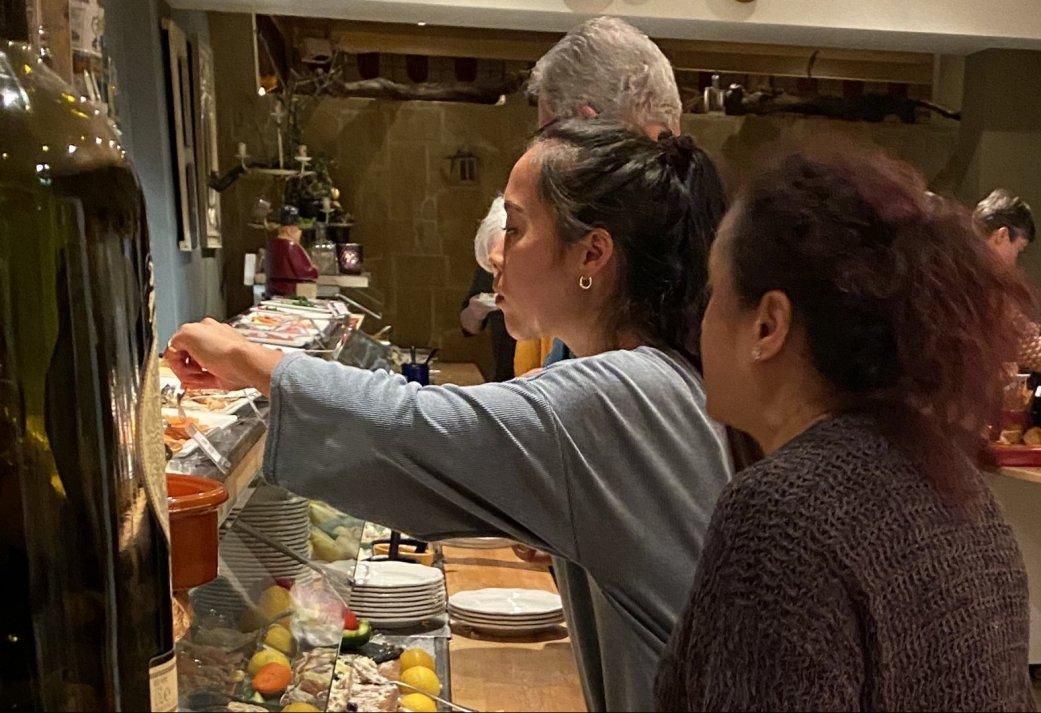 Busarrangement met bezoek aan Boerderij en een heerlijk dinerbuffet in Monterferland