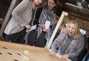 Bedrijfsuitje op de Veluwe met Oud Hollandse spellen, Bowlen en Saté eten