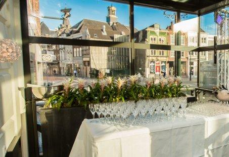 Niemand Bobt Teamuitje- door Den Bosch met overnachting