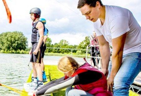 Stoer Vriendenweekend in het Montferland – Waterskien, barbecue, en MTB tocht
