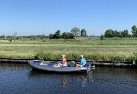Fluisterbootje - Varen door Giethoorn