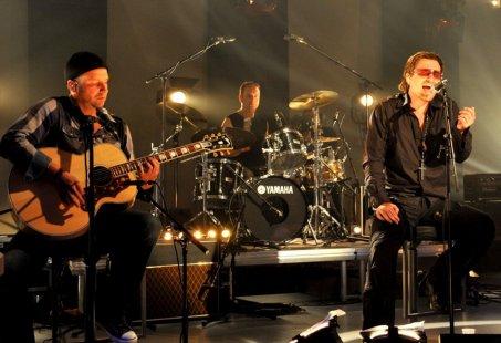 Genieten van een avondje U2two Live Unplugged + nachtje slapen aan de kust