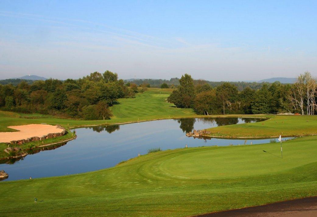 2-daags Golfarrangement met 2 greenfees en slapen in het hotel op de golfbaan
