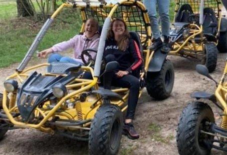 Sandbuggy rijden en toeren op een scooter - Mannenweekend in Twente