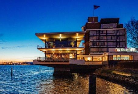 Er op uit met nachtje weg en Spido rondvaart door de haven in Rotterdam