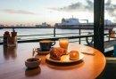 Romantisch nachtje weg en wegdromen aan de oevers van de Nieuwe Maas in Vlaardingen