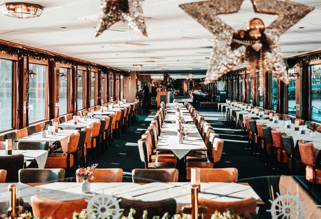 Kerstcruise inclusief Diner of Brunch langs de skyline van Rotterdam