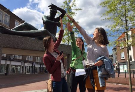 Los jij de moord op in Groningen? - WhatsApp Moordtocht