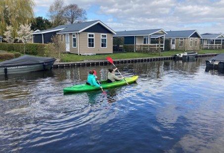 Ga op Kano safari door Giethoorn - Groepsuitje op het water